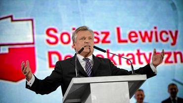 Kwaśniewski: Koalicja SLD z PiS-em? Dla Sojuszu to byłoby zabójcze. Na zdjęciu były prezydent podczas krajowej konwencji SLD, Warszawa, 19 grudnia 2009 r.