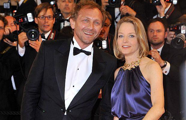 Tylko wybitni aktorzy mają takie wzięcie. Przekonuje nas o tym Andrzej Chyra, który pojawił się w Cannes. Ale nie sam. Na czerwonym dywanie towarzyszyła mu Jodie Foster!