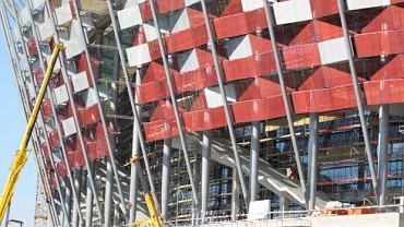 Stadion Narodowy - elewacja i schody kaskadowe