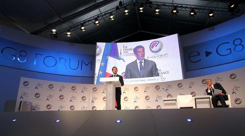 Nicholas Sarkozy otwiera obrady e-G8.