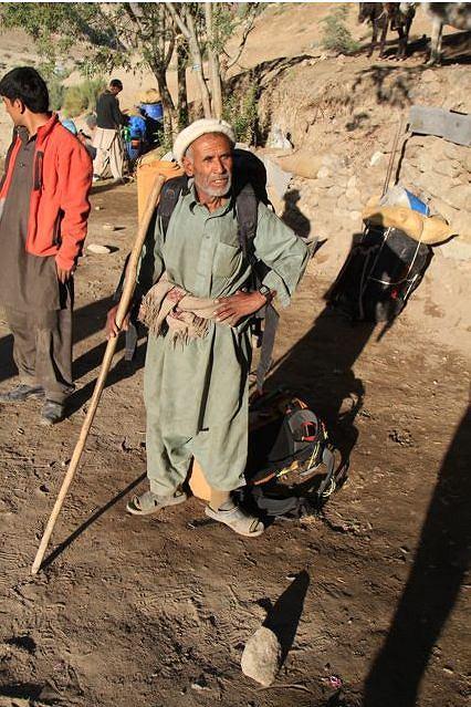 Wyprawa na K2. Kucharz wyprawy, Pakistańczyk Ali