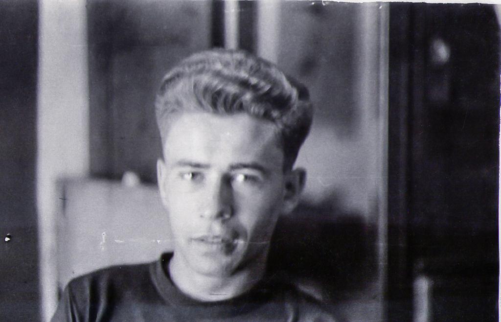 Młody Aleksander Tworowski (Olek)