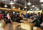 Ostra walka o klientów kawiarni. Branża nie odrobi strat z zakazu handlu w niedziele