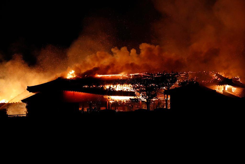 Pożar zamku Shuri na japońskiej wyspie Okinawa.