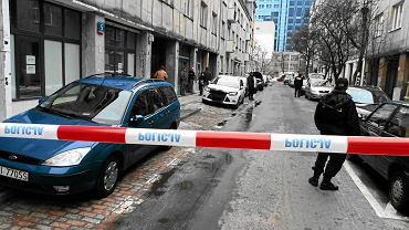 Jacek T. jest oskarżony o podpalenie przy ul. Oleandrów pięciu samochodów