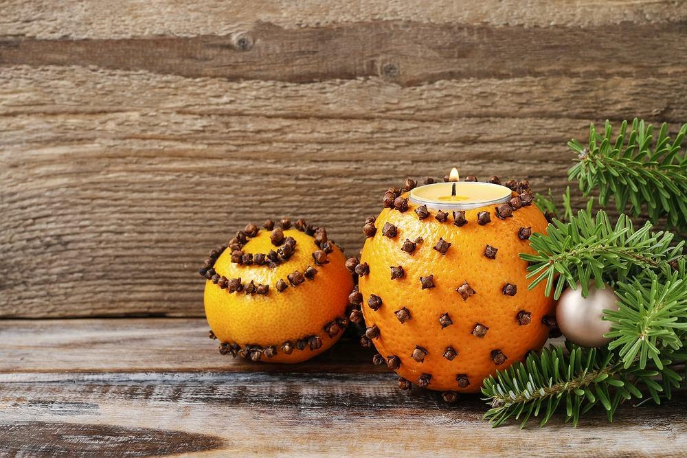 Świąteczne dekoracje DIY - owoce. Zdjęcie ilustracyjne