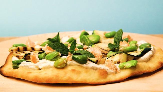 Zielone na talerzu - pizza z bobem