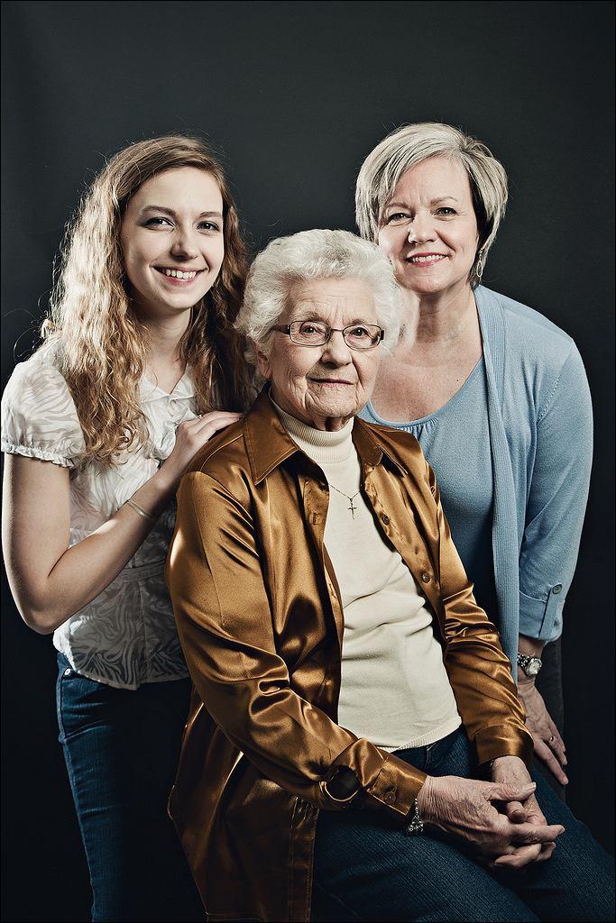 Trzy pokolenia kobiet z jednej rodziny