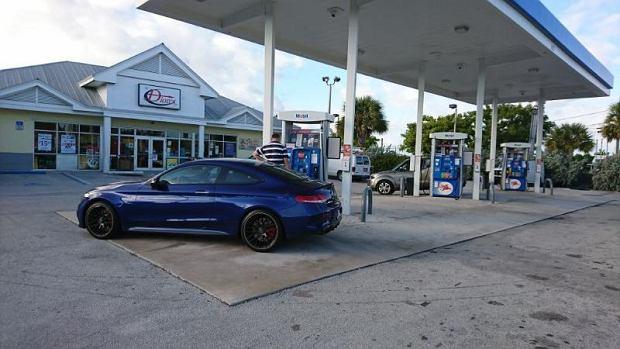 Mercedesem-AMG C 63S przez Florydę