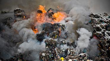 Pożar sortowni śmieci w Studziankach (zdjęcie ilustracyjne)