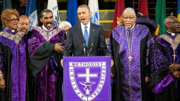 """Barack Obama śpiewa """"Amazing Grace"""" na pogrzebie ofiar masakry w Charleston"""