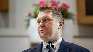 Wstydliwa wpadka ministra Czarnka. Prezentował osiągnięcia za plecami mając błąd