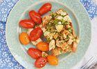 Wegańska kanapka z tofucznicą, czyli bruschetta ztofu i pomidorkami