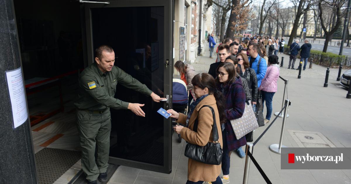 4875cea132fc45 Wybory prezydenckie na Ukrainie. Co o nich myślą Ukraińcy w Warszawie