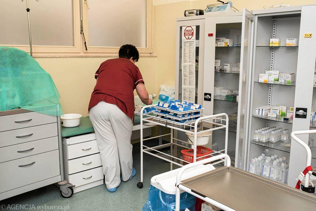 Pielęgniarki od stycznia mają prawo do wypisywania recept na leki permanentnie przyjmowane przez pacjentów. Ale nie wszystkie
