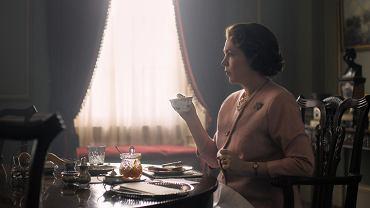 Olivia Colman jako Elżbieta II