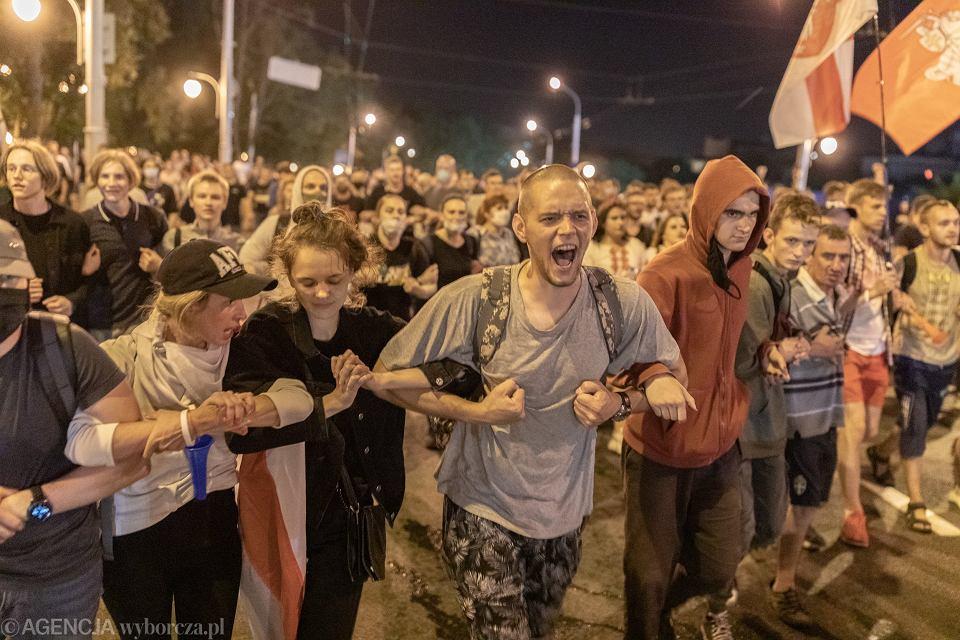 9 sierpnia 2020 r., pierwszy dzień protestów w Mińsku po sfałszowaniu wyborów na Białorusi