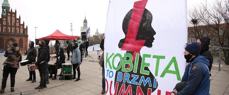 """""""Żadnych więcej kompromisów!"""". W całej Polsce manifestacje z okazji Dnia Kobiet"""