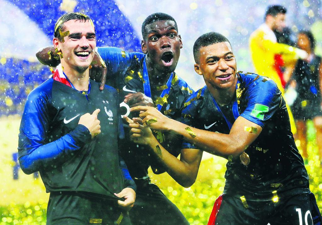 Mistrzowie świata. Strzelcy bramek w finałowym meczu na mudnialu w Rosji: Antoine Griezmann, Paul Pogba i Kylian Mbappé