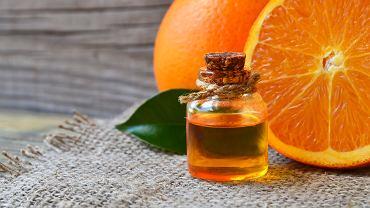 Olejek pomarańczowy jest specyfikiem o bardzo szerokim zastosowaniu. Zdjęcie ilustracyjne, svf74/shutterstock.com