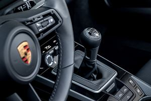 """Porsche 911 nie przestanie mnie zaskakiwać. 7-biegowy manual i podnoszona przednia oś, która zapamięta gdzie są """"garby"""""""