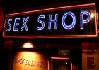 Co Polacy kupują w sex shopach online? [RAPORT]