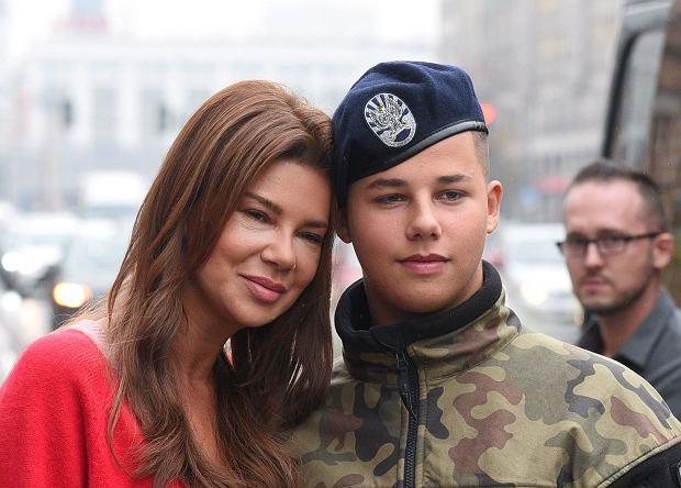 Edyta Górniak ma ze swoim synem Allanem bardzo bliską relację. Nastolatek wszedł już w wiek, w którym w jego życiu pojawiają się inne dziewczyny, niż mama. Gwiazda jest tego świadoma.