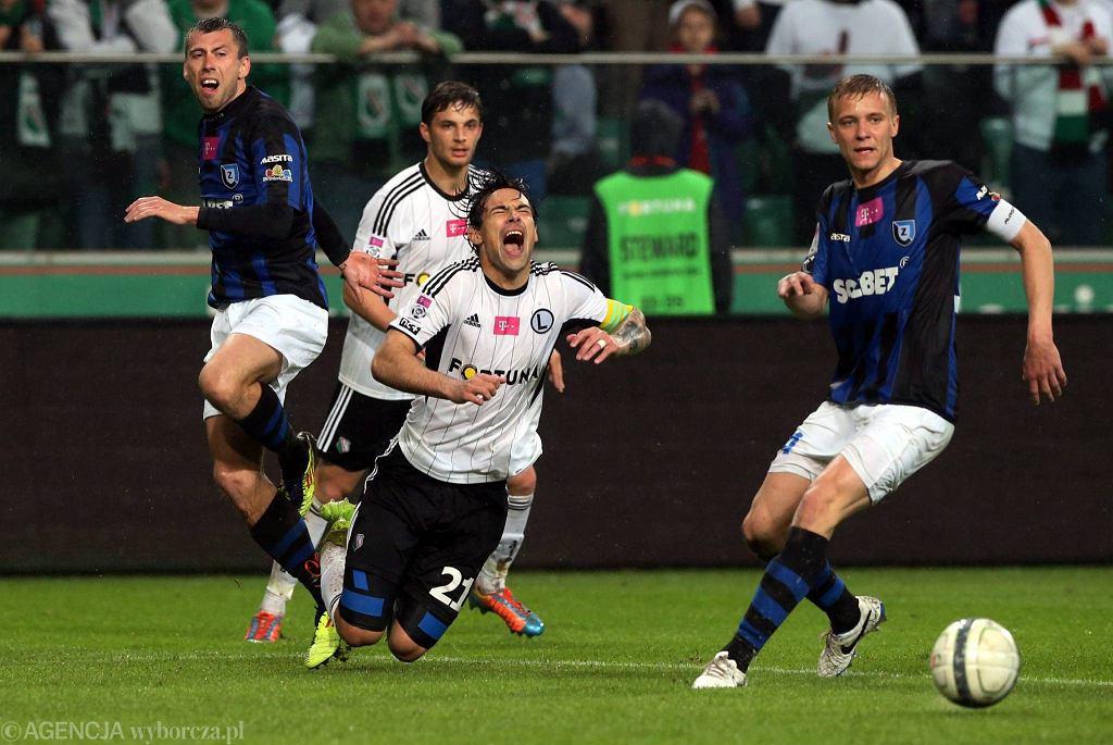 Legia pokonała Zawiszę 2:0 po golach Żyry i Saganowskiego