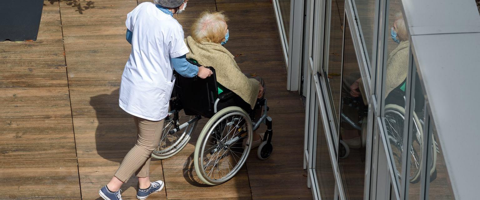 Polskich opiekunów można spotkać w całej Europie (Shutterstock.com)