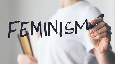 Feminizm to ruch, który dąży do równouprawnienia w każdej dziedzinie życia. Zdjęcie ilustracyjne