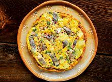 Frittata ze śledziem i ziemniakami - ugotuj