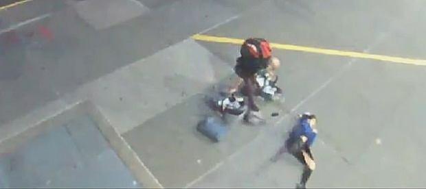 W drodze na pogotowie przewróciła się i złamała obojczyk. Pozywa szpital