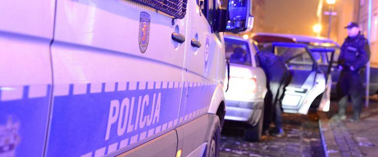 Atak nożownika w Miastku. 19-latek ugodził w szyję mężczyznę
