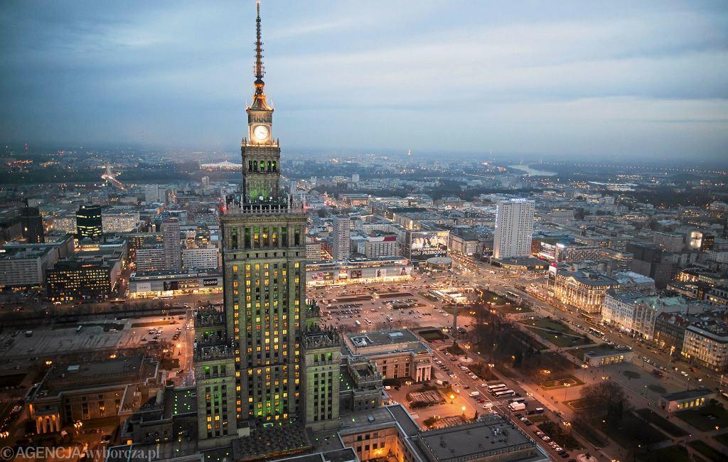 Warszawa wygrywa