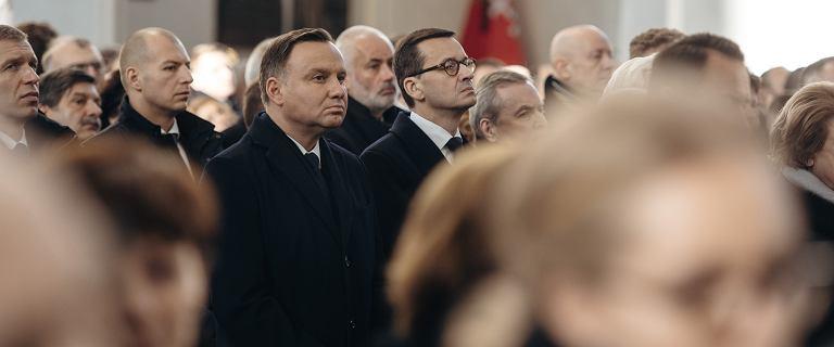 Szczerski o miejscu prezydenta na pogrzebie. Rzeczniczka odpowiada