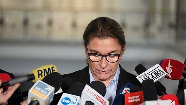 Beata Mazurek podczas konferencji na temat publikacji 'Gazety Wyborczej'