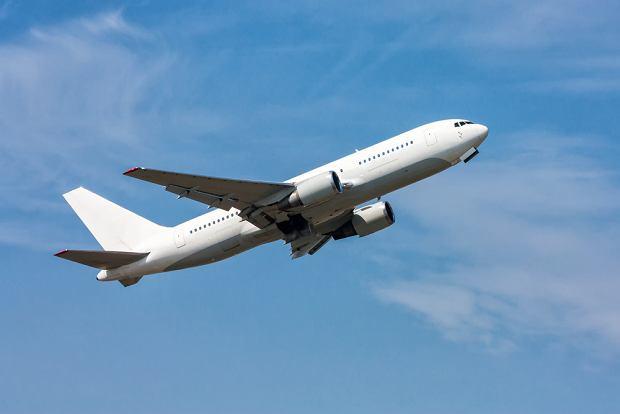 Zakaz lotów zostanie przedłużony do 8 grudnia. Jest projekt rozporządzenia