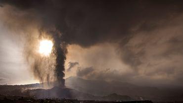Erupcja wulkanu Cumbre Vieja i chmura toksycznego pyłu
