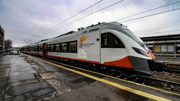 Pociąg przewozów regionalnych - zdjęcie ilustracyjne