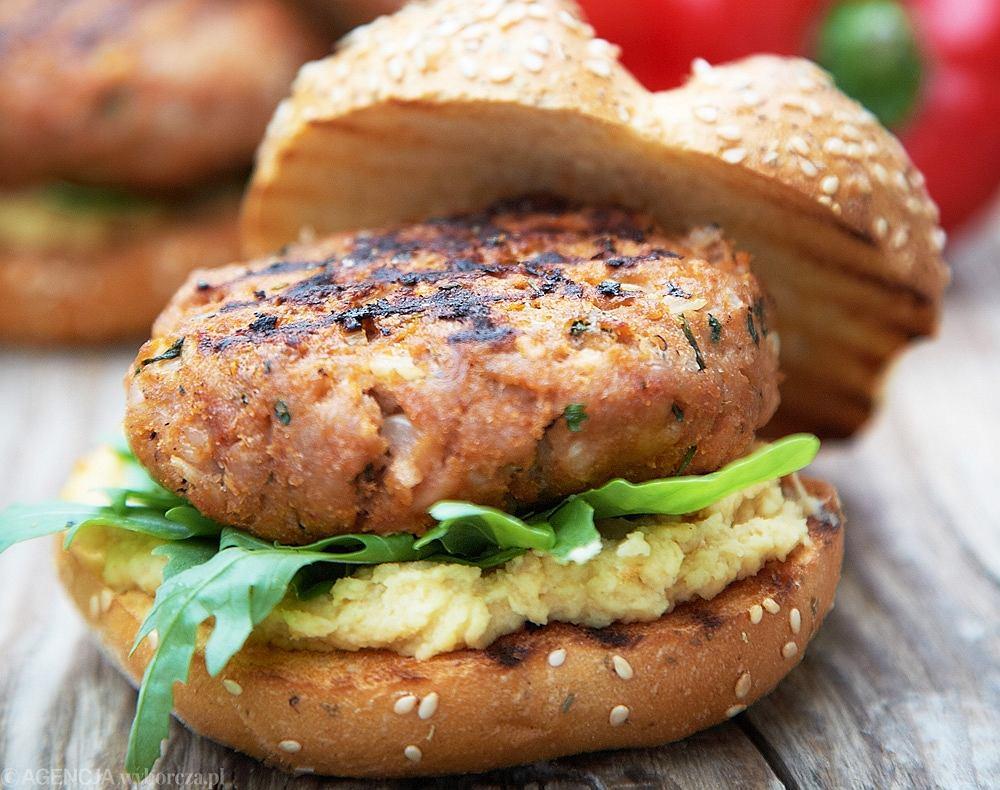 Hamburgery z pastą z ciecierzycy