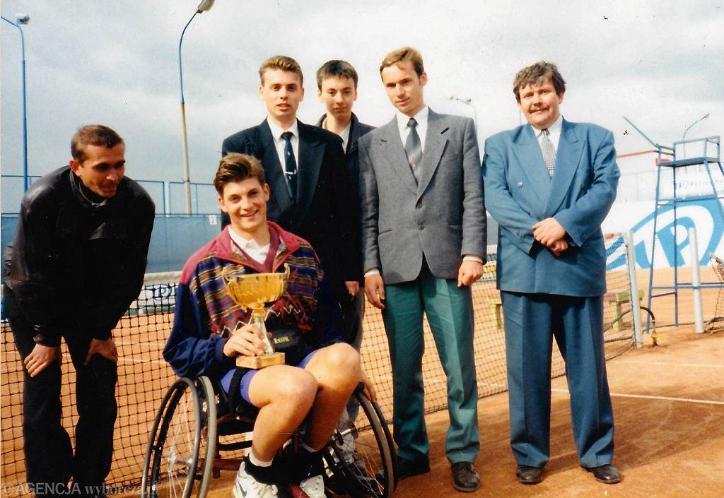 1995 r. Pierwszą edycję wygrał Holender Ricky Molier. Z prawej stoi Wiesław Chrobot, organizator i dyrektor turnieju