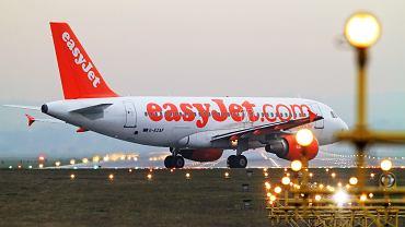 Pasażer wywołał alarm bombowy, bo nie chciał spóźnić się na samolot
