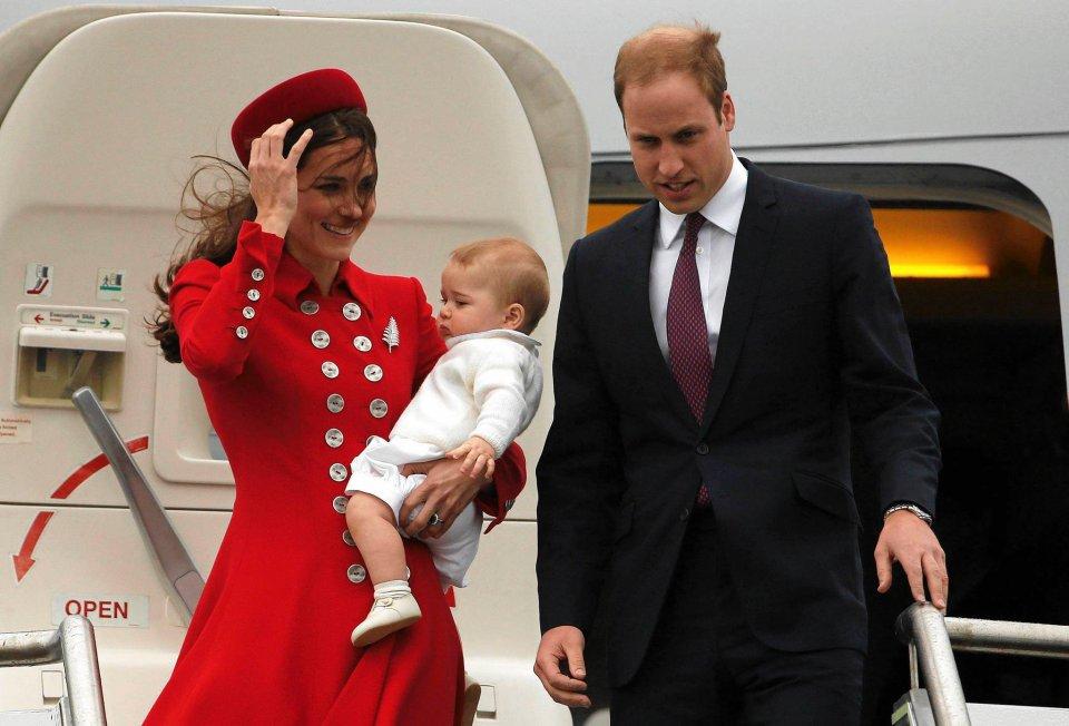 Brytyjski następca tronu William z żoną Kate - księżną Cambridge i ich synem - księciem George'em.