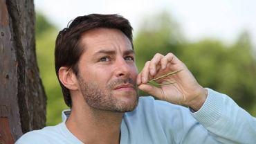 Wkładanie do ust źdźbła trawy lub zboża może mieć przykre konsekwencje