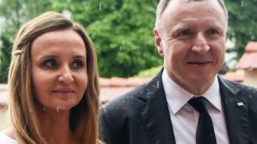 Jacek Kurski zostanie ojcem. Jego żona jest w ciąży. Na zdjęciach paparazzi widać jej duży brzuch