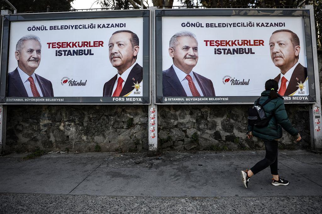 Reklamy wyborcze Recepa Tayyipa Erdogana i Binaliego Yildirima w Stambule.