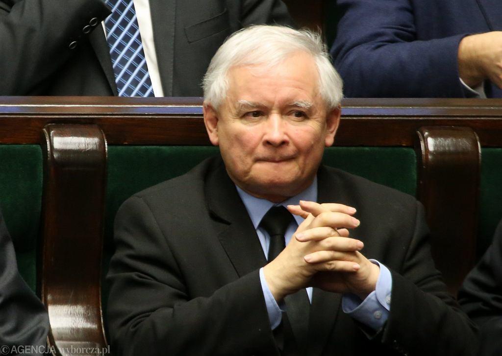 Jarosław Kaczyński podczas bloku głosowań 30 grudnia 2015 roku