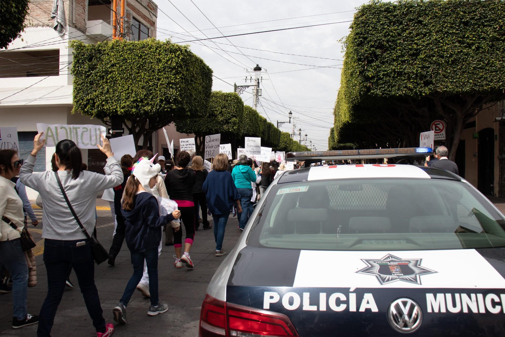 W Meksyku jest bardzo niebezpiecznie, często ktoś przepada bez śladu, dochodzi do zamieszek (fot: Shutterstock.com)