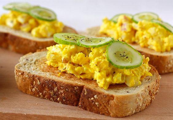 Jajka z kurkumą podkręcają metabolizm i zapewniają uczucie sytości
