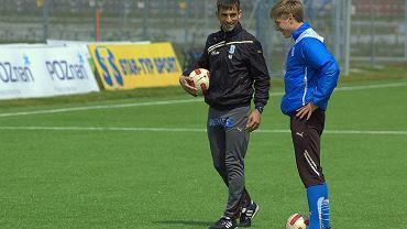 Z lewej trener Amilcar Carvalho (Lech Poznań)
